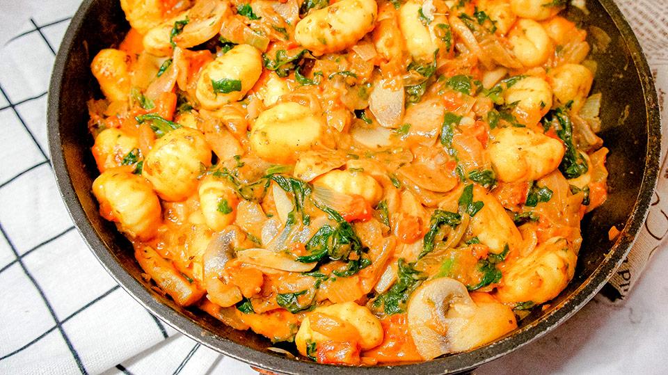 Super close up of the Close up Gnocchi Spinach casserole