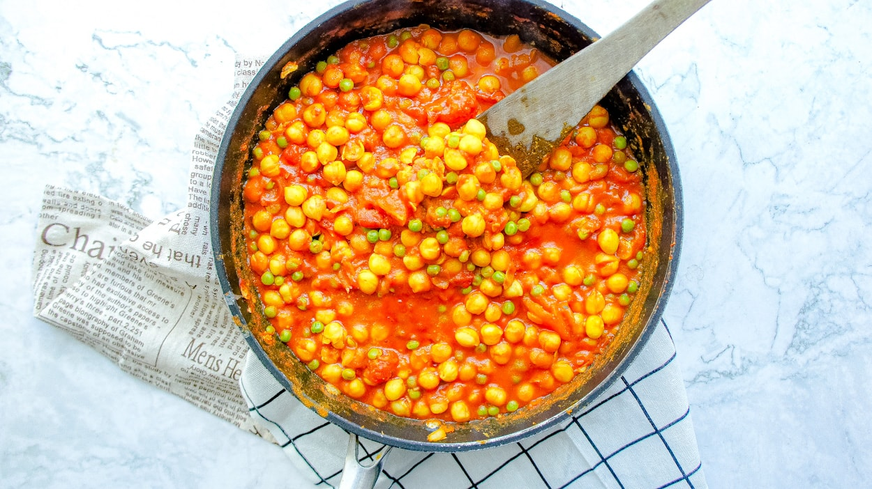 Featured picture of chickpea curry recipe