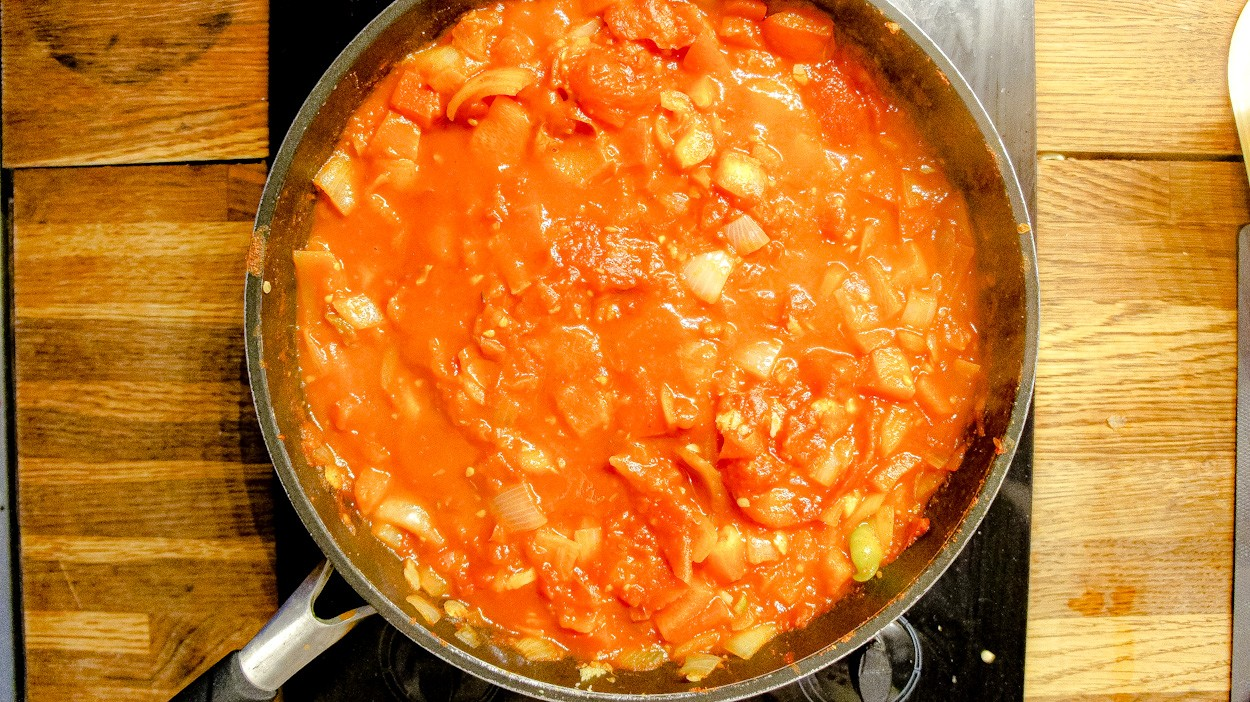 Cooking Shakshuka