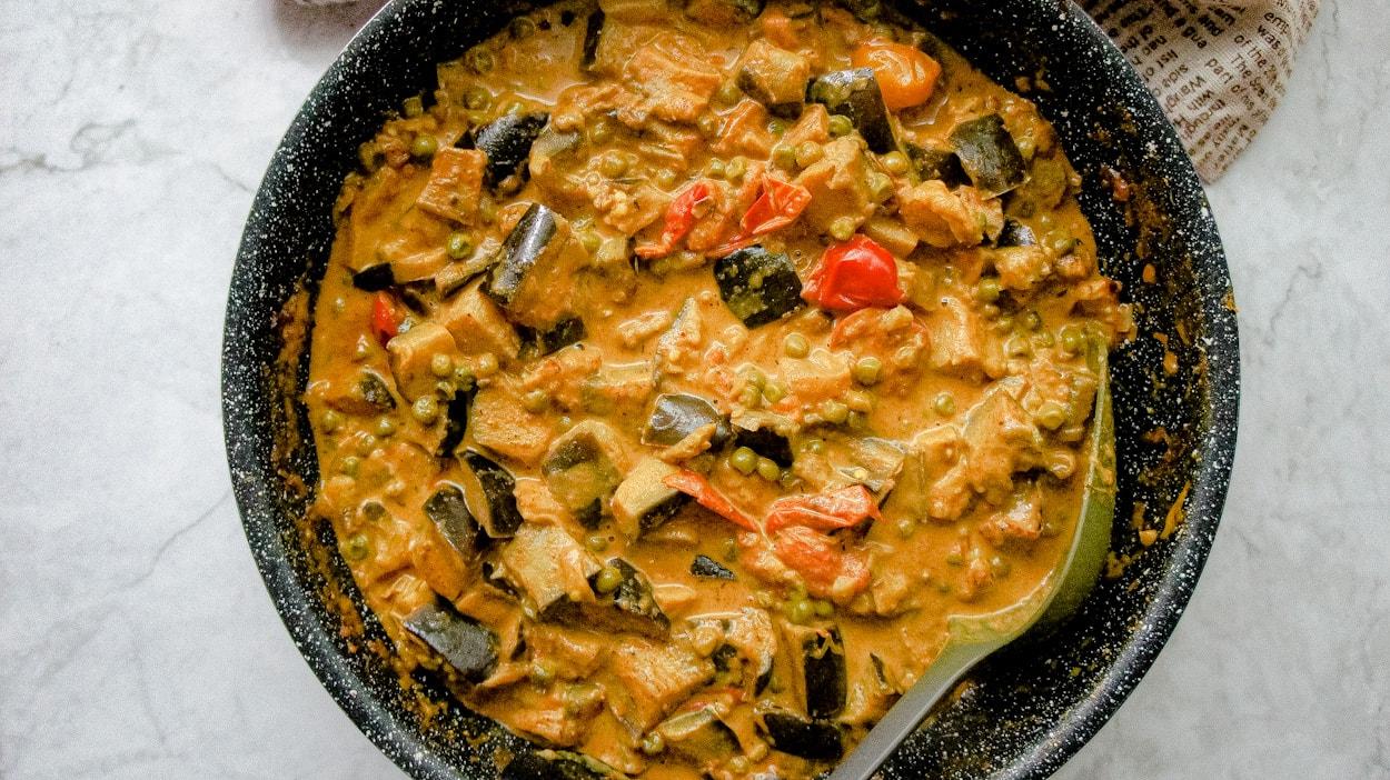 eggplant & peas curry